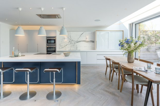 Roundhouse Urbo matt lacquer bespoke kitchen in Farrow & Ball All white with Little Green Rolling Fog on the island .jpg