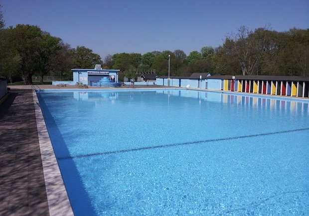 Tooting Bec Lido 2 copy.jpg