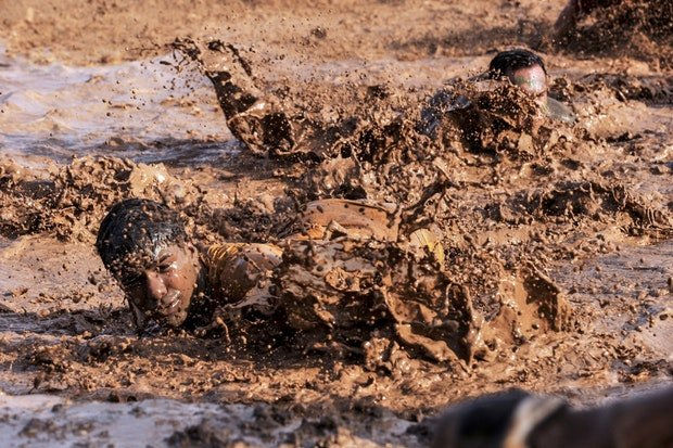 soldiers-army-basic-training-mud.jpg