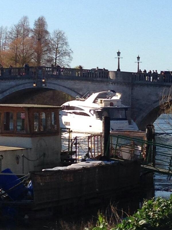 A million-pound yacht crashes into Richmond Bridge