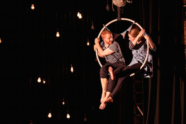 to-the-moon-kids-theatre.jpg