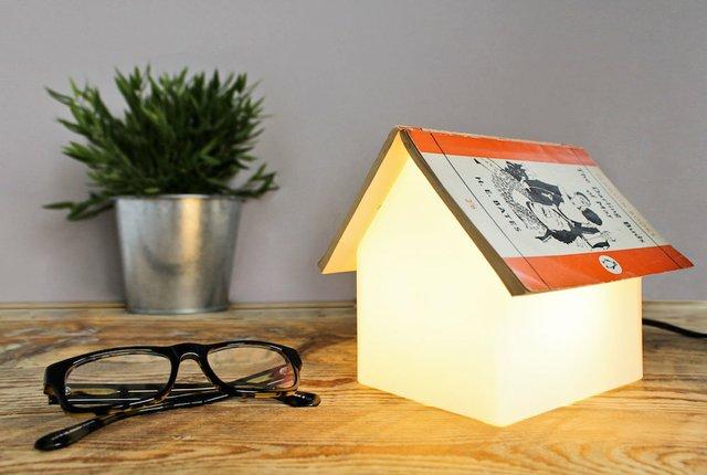 book-rest-bedside-lamp.jpg