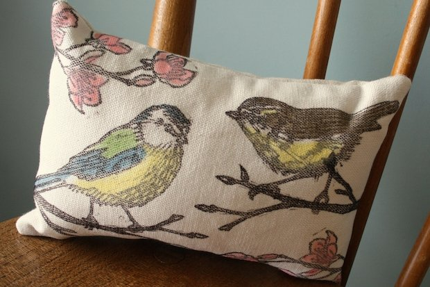 bird-print-sleep-pillow-herbal.jpg