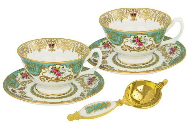 hampton-court-palace-tea-set-min.jpg
