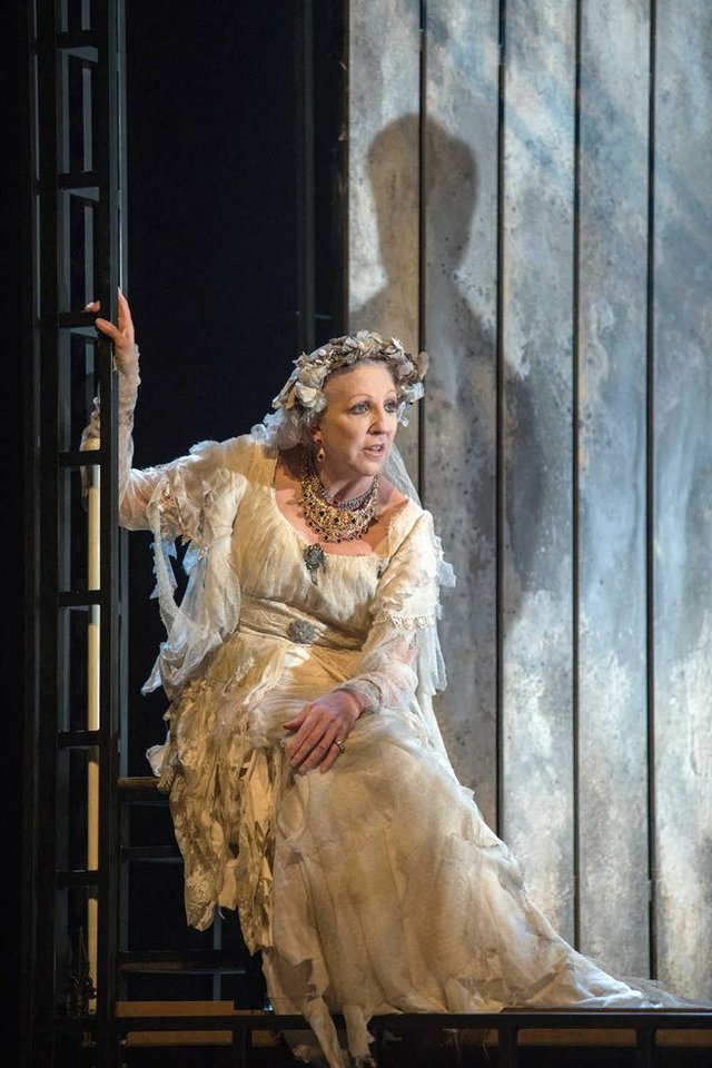 great-expectations-miss-haversham-review-theatre (1)-min.jpg