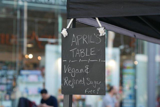 aprils-table-vegan-market-walton-cakes-min.jpg