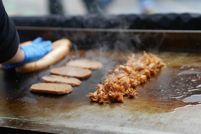 surrey-vegan-market-walton-on-thames-grill-close-up-min.JPG