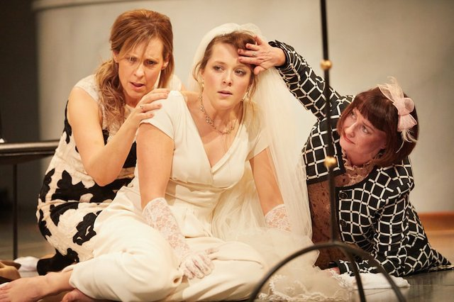 much-ado-about-nothing-mel-giedroyc-rose-theatre-kingston-photo-by-mark-douet-3-min.jpg
