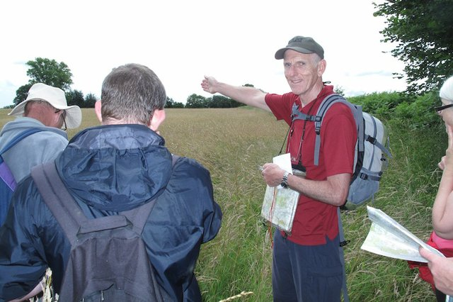 Volunteer Peter Arnold leading a SHS Map Reading course copy.JPG