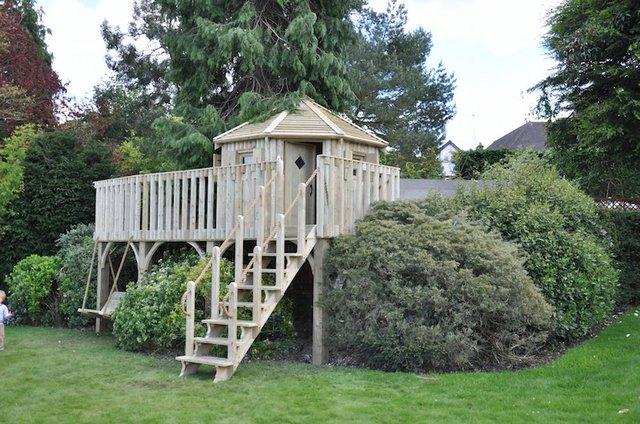 treehouse-custom-cheeky-monkey-garden.JPG