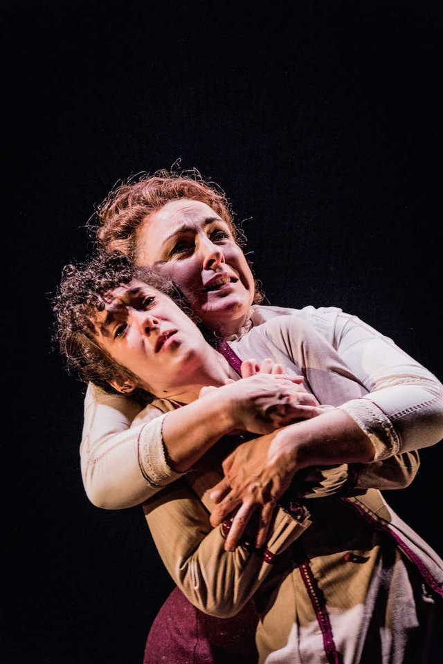 Annabel Smith and Carli Norris_Turn of the Screw CREDIT Robert Workman.jpg