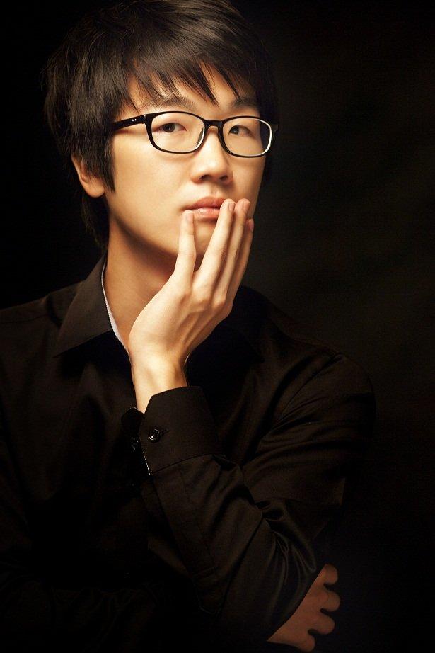 Yoon Seok Shin- international pianist.jpg