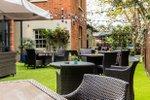 Hand-Spear-Pub-Beer-Garden-Weybridge.jpg