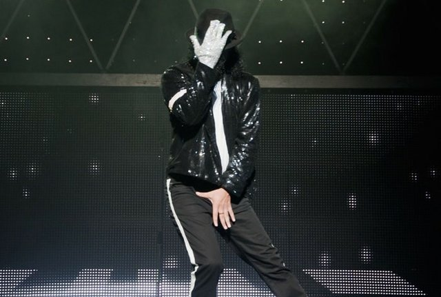 Thriller Live previous cast - Press Image 2-min copy.jpg