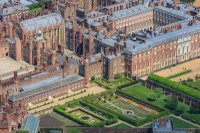 hampton-court-palace.jpeg