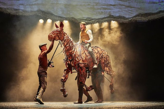 Thomas Dennis (Albert), Tom Quinn, Domonic Ramsden & Nicky Cross (Joey).NT War Horse 2017-2018. Photo by Birgit & Ralf Brinkhoff-min.JPG