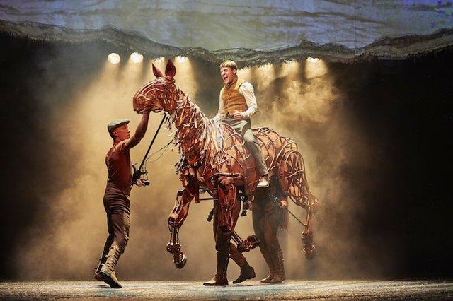 Thomas Dennis (Albert), Tom Quinn, Domonic Ramsden & Nicky Cross (Joey).NT War Horse 2017-2018. Photo by Birgit & Ralf Brinkhoff-min.JPG