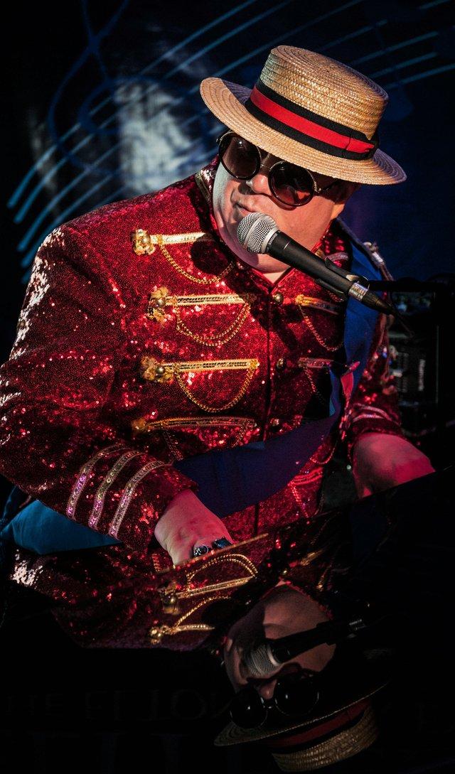 Elite Elton.jpg