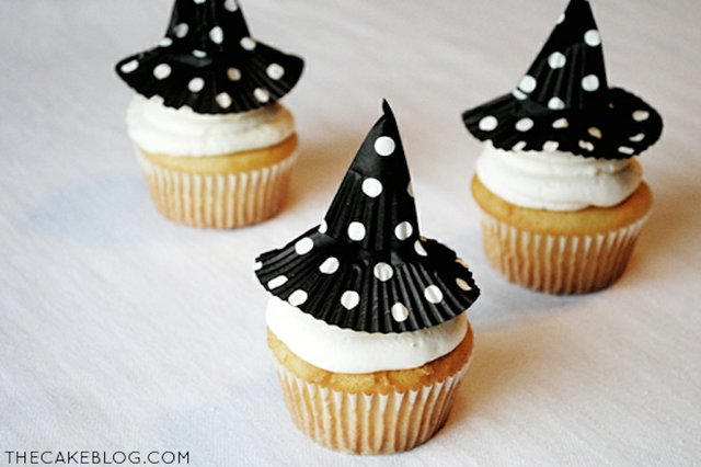 witch_hat_cupcakes.jpg