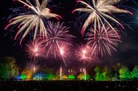 Battersea-Park-Fireworks-3-credit-to-Nathan-Dainty-VERY-CREATIVE-768x513.jpg