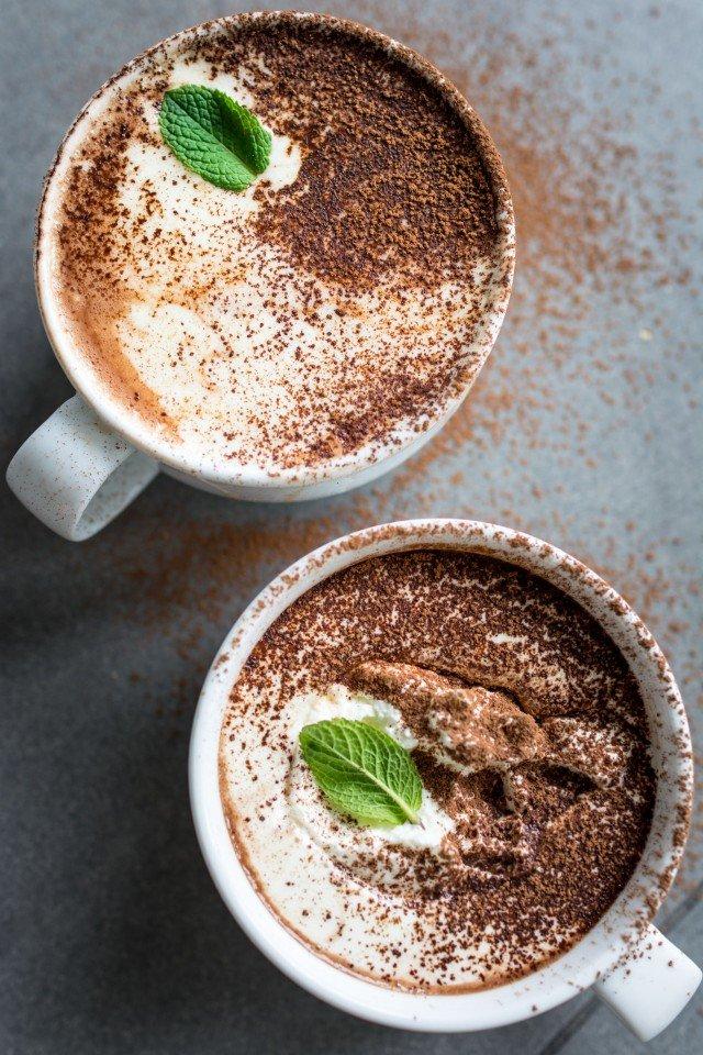 Vegan-Peppermint-Hot-Chocolate-2-640x960.jpg