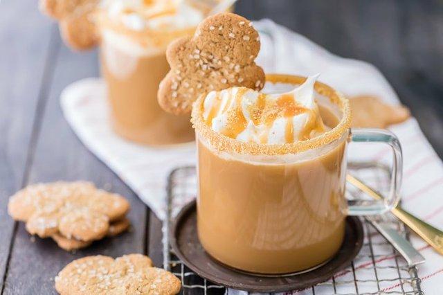 slow-cooker-gingerbread-latte-9-of-10.jpg