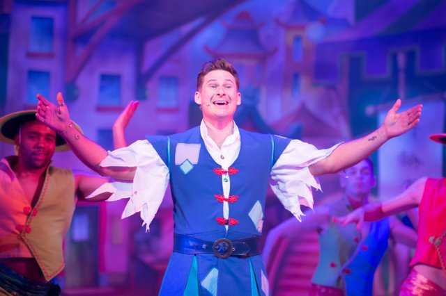 Lee Ryan as Aladdin. Credit Craig Sugden.jpg