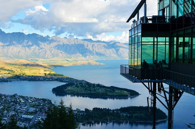 new-zealand-lake-mountain-landscape-37650.jpeg