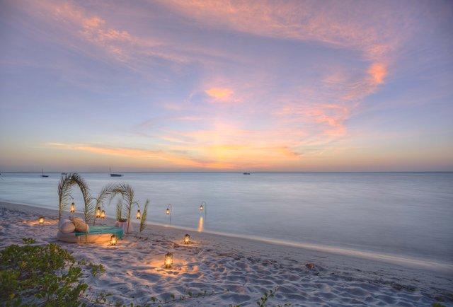 Azura Benguerra sundowners set up.jpg