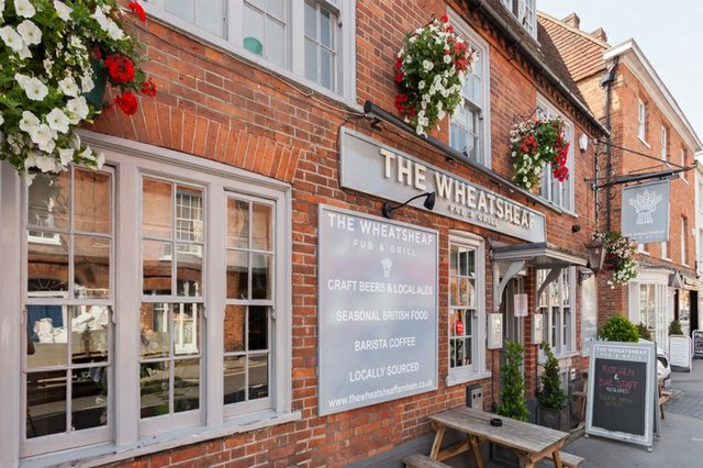the-wheatsheaf-best-pubs-farnh.jpg