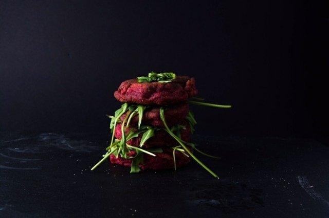 beetroot-burger-recipe-by-spoo.jpg
