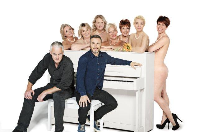Front Tim Firth, Gary Barlow, Back Rebecca Storm, Fern Britton, Sara Crowe, Denise Welch, Ruth Madoc, Karen Dunbar, Anna-Jane Casey.jpg