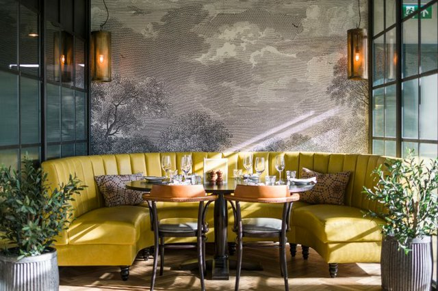 Brasserie-Blanc-Hammersmith-Riverside-mustard-booth-750x500.jpg