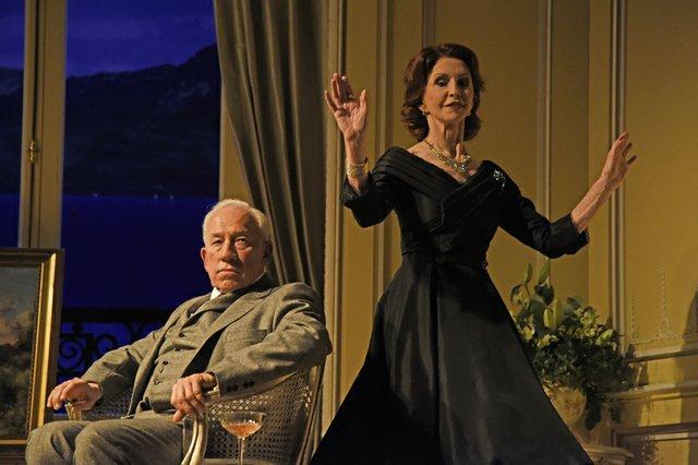 Simon Callow as Hugo Latymer  Jane Asher as Carlotta Gray