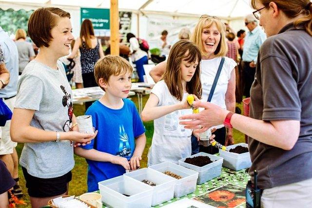 children-making-a-seed-jar-at-.jpg