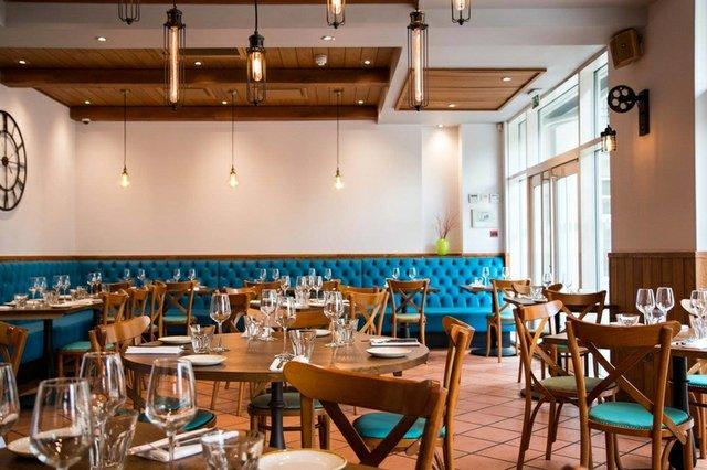 bistro-vadouvan-restaurant (1).jpg