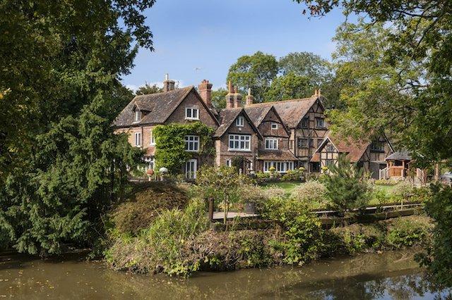Cudworth Manor, Surrey