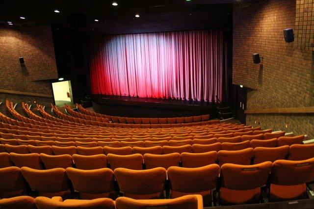 leatherhead-theatre.jpg