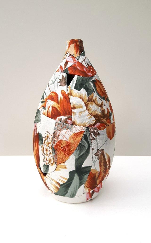ZOE HILLYARD REPURPOSED Flame Floral Seedpod Vase_17cmx10cm_2017.jpg