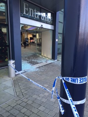 Pick-up type truck rams through glass in Mercedes-Benz World cash machine raid