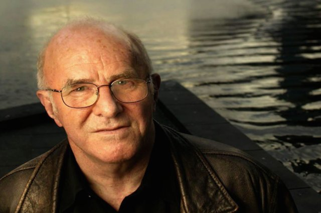clive james.png