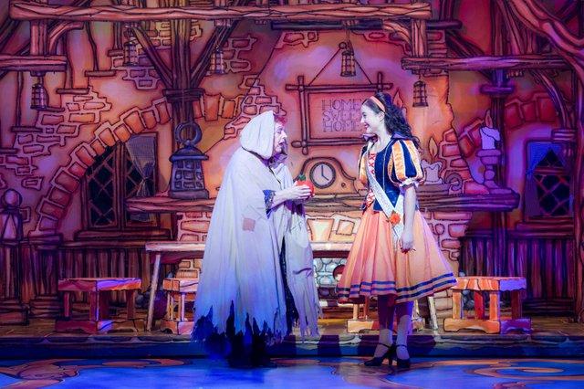 l-r Jo Brand (Queen Lucretia) & Mia Starbuck (Snow White). Photo Credit Craig Sugden.jpg