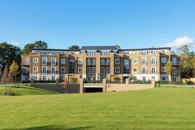 vb1334867_Kingswood Apartment block-6.jpg