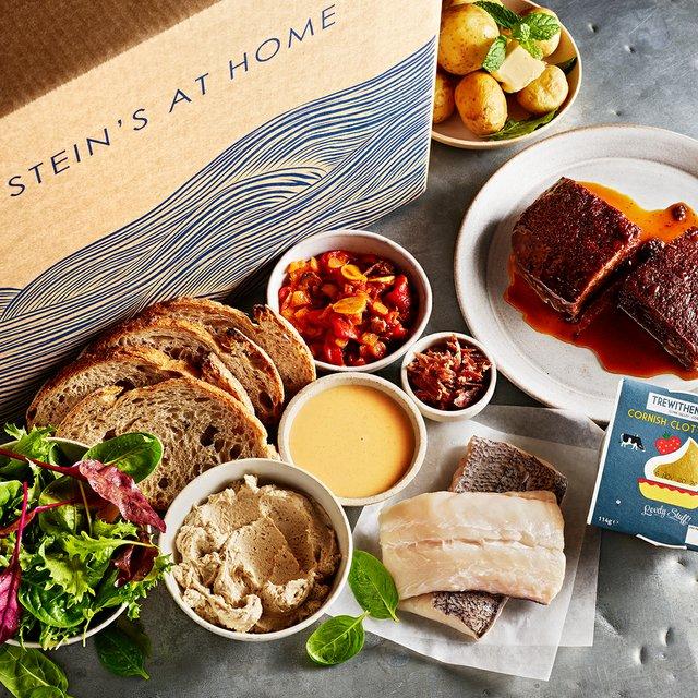 20201111_2856_RickSteinRestaurants__SteinsatHome2_HakeBoxContentsSquare--0_0002_lres.jpg