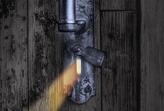 Lorraine_Through the Keyhole.jpg