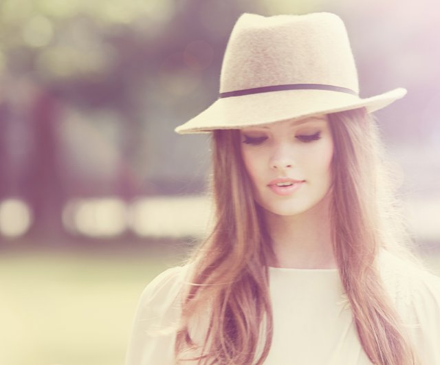 delilah girl with hat small.jpg