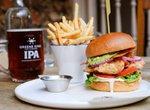 druid's head pub burger beer chips