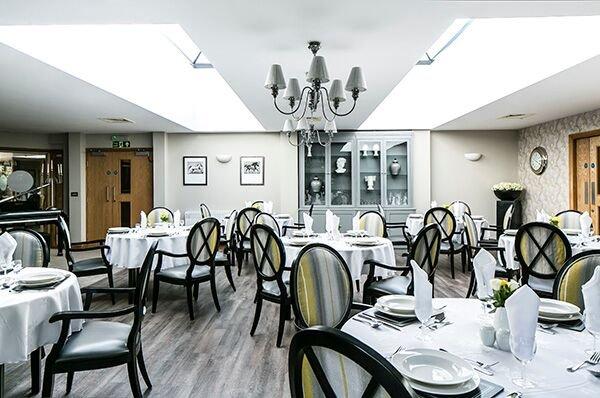 Kingsmead_House_Dining.jpg