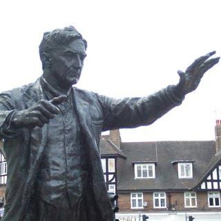 ralph vaughan williams dorking statue copy.jpg