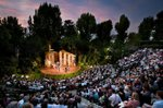 Auditorium_at_Regent's_Park_Open_Air_Theatre.jpg